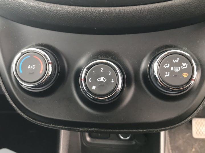 Vauxhall Viva 1.0i SE Hatchback 5dr Petrol (a/c) (75 Ps) | MT66UAJ | Photo 26