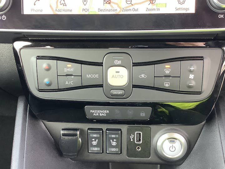 Nissan Leaf 40kwh Tekna Hatchback 5dr Electric Auto (150 Ps) | VA69EOS | Photo 26