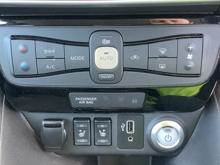 Nissan Leaf 40kwh N Connecta Hatchback 5dr Electric Auto (150 Ps) | VU69EOF | Photo 26