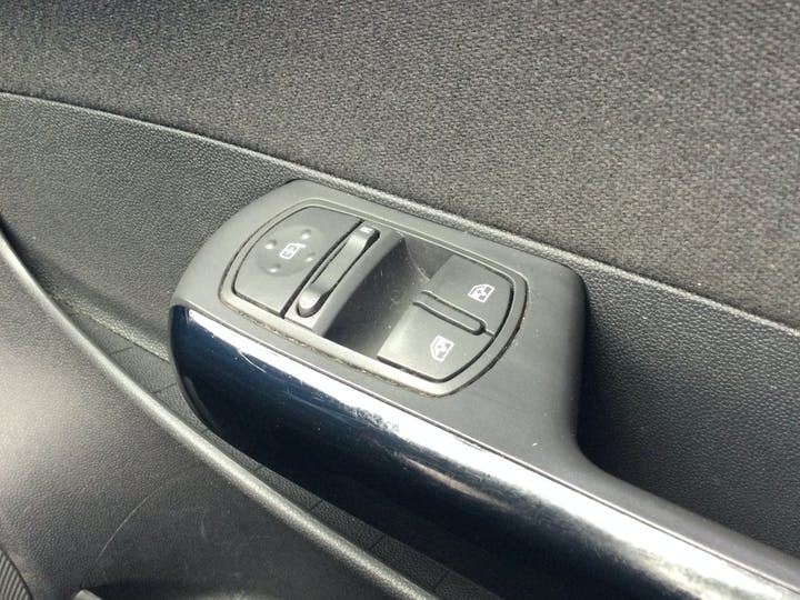 Vauxhall Corsa 1.2 I 16V SXi Hatchback 3dr Petrol Manual (124 G/km, 84 Bhp) | YD61XAT | Photo 26