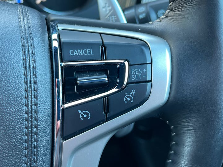 Mitsubishi Outlander 2.4h Twinmotor 13.8kwh 4h SUV 5dr Petrol Plug In Hybrid Cvt 4wd (s/s) (209 Ps) | YH19JRL | Photo 26
