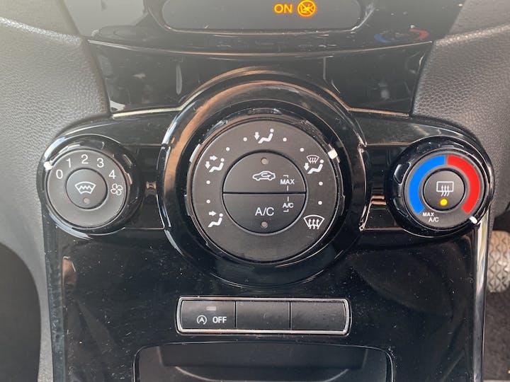 Ford Fiesta 1.0 T Ecoboost Zetec Hatchback 5dr Petrol Manual (s/s) (99 G/km, 99 Bhp)   EO65XRJ   Photo 27