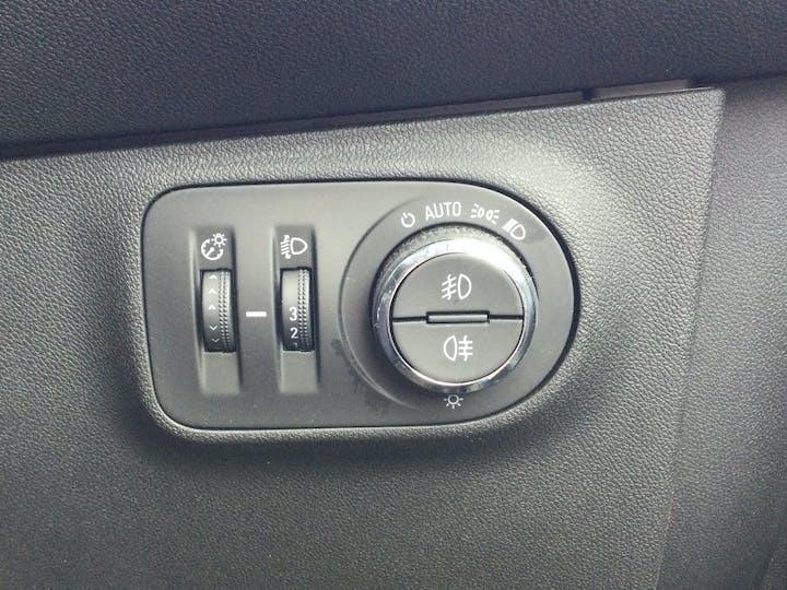 Vauxhall Corsa 1.4i Ecotec Griffin Hatchback 3dr Petrol (75 Ps)   FA19OZE   Photo 27