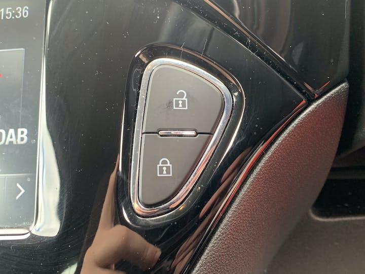 Vauxhall Corsa 1.4i Turbo Black Edition Hatchback 3dr Petrol (s/s) (150 Ps) | MF67TEO | Photo 27