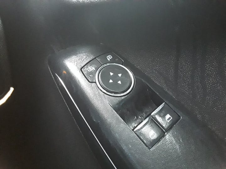 Ford Fiesta 1.0t Ecoboost Gpf Zetec Hatchback 3dr Petrol Manual (s/s) (100 Ps)   MF68OXA   Photo 27