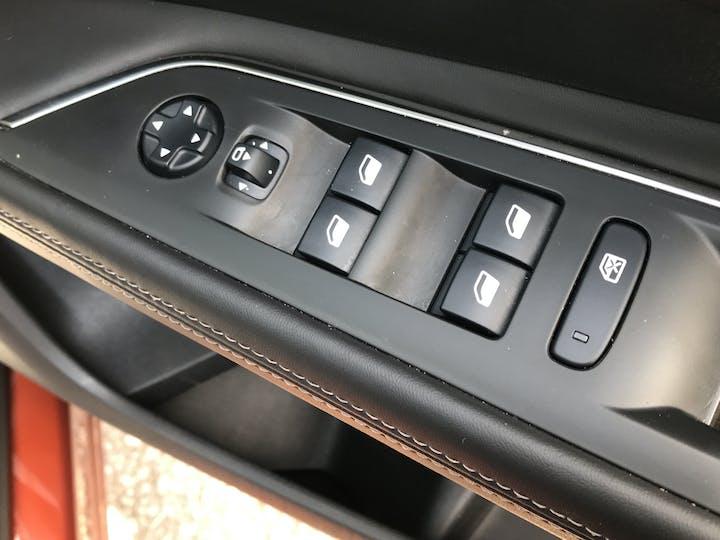 Peugeot 3008 1.2 Puretech Allure SUV 5dr Petrol Eat (s/s) (130 Ps) | MK67EUP | Photo 27