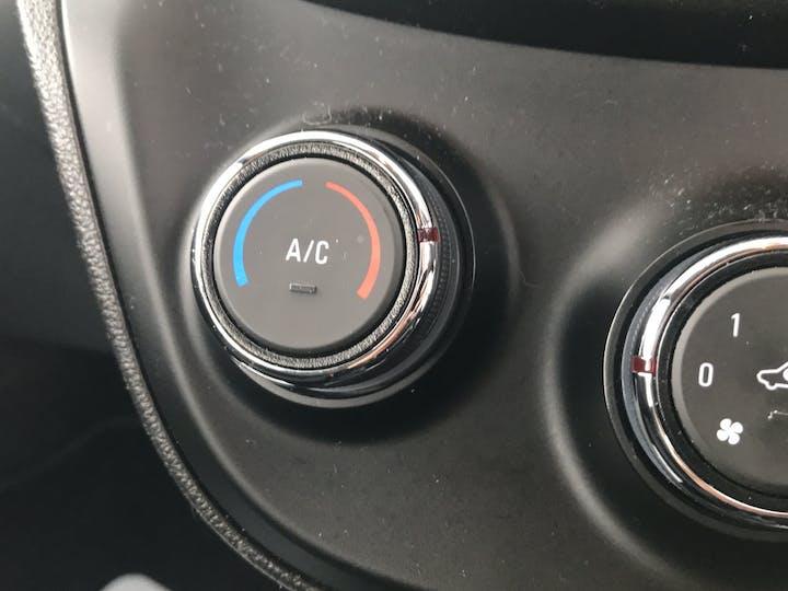 Vauxhall Viva 1.0i SE Hatchback 5dr Petrol (a/c) (75 Ps) | MT66UAJ | Photo 27