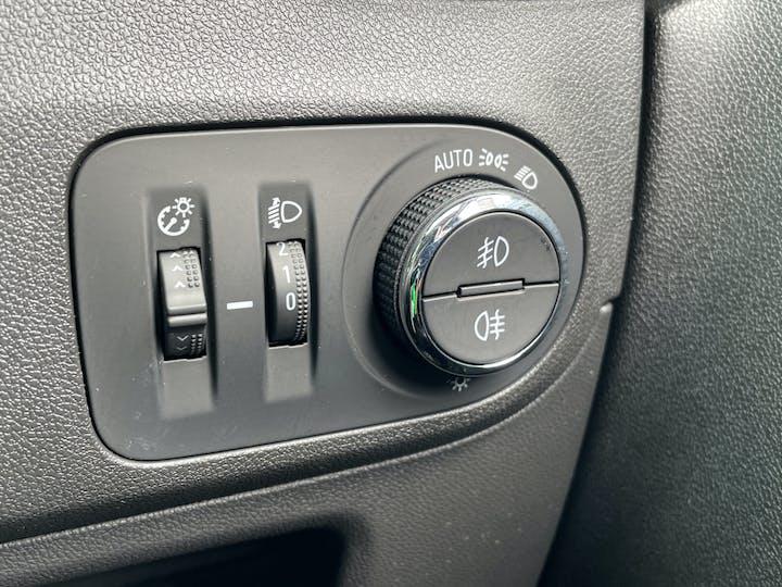 Vauxhall Crossland X 1.2 Elite SUV 5dr Petrol Manual (81 Ps)   MW18HLM   Photo 27