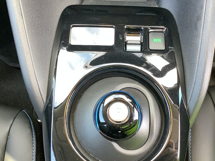 Nissan Leaf 40kwh N Connecta Hatchback 5dr Electric Auto (150 Ps) | VU69EOF | Photo 27