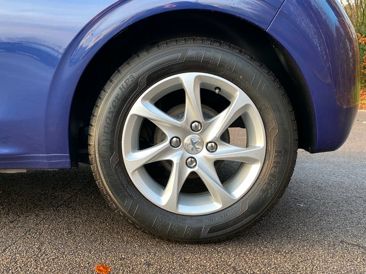 Peugeot 208 1.2 Puretech Active Hatchback 3dr Petrol (82 Ps) | YG17WYV | Photo 27