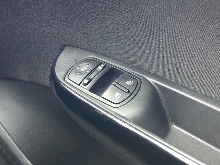 Vauxhall Corsa 1.4i Ecotec Griffin Hatchback 3dr Petrol (75 Ps)   FA19OZE   Photo 28