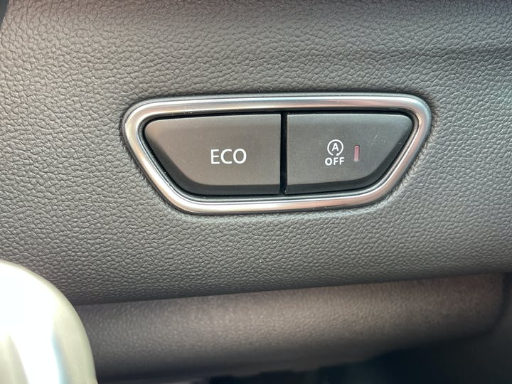 Renault Kadjar 1.3 Tce S Edition SUV 5dr Petrol Edc (s/s) (140 Ps)   FV21GKP   Photo 28