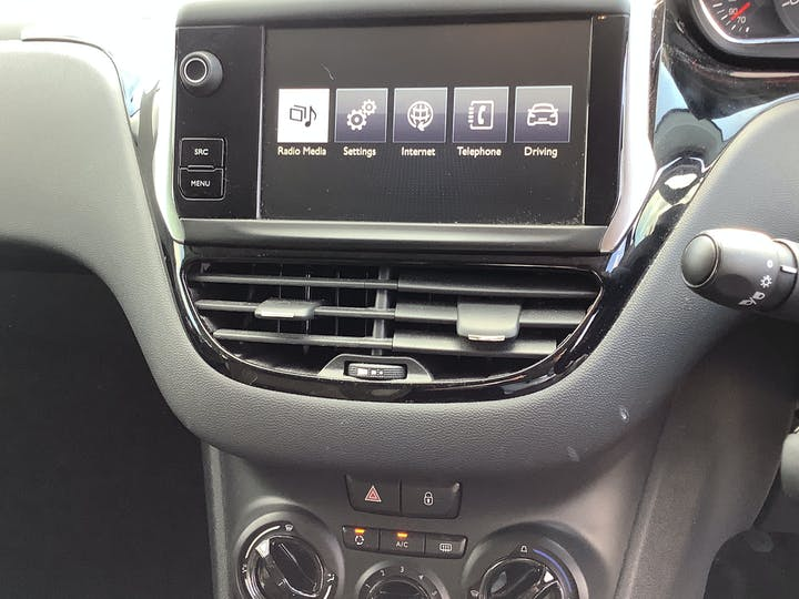 Peugeot 208 1.0 VTi Puretech Active Hatchback 5dr Petrol Manual (99 G/km, 68 Bhp)   FV64YGF   Photo 28