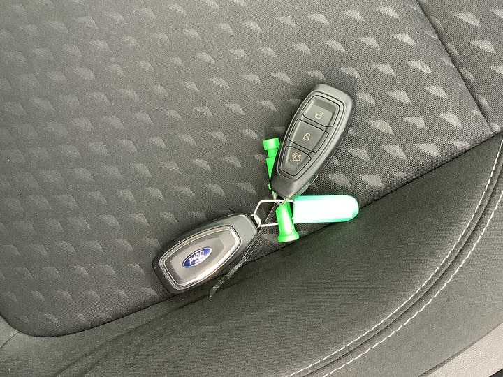 Ford Fiesta 1.0t Ecoboost Titanium Hatchback 5dr Petrol Manual (s/s) (125 Ps) | MT18YTL | Photo 28