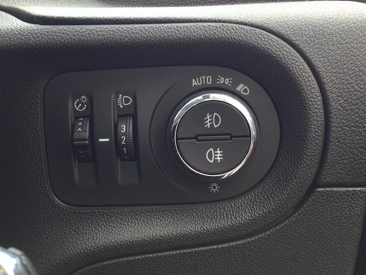 Vauxhall Grandland X 1.2 Turbo SRi Nav SUV 5dr Petrol Manual (s/s) (130 Ps)   DT69YAW   Photo 29