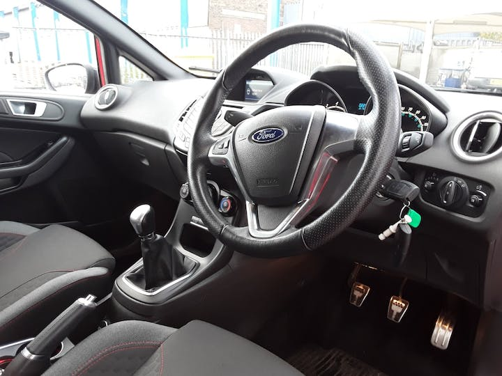 Ford Fiesta 1.0 T Ecoboost St Line Hatchback 5dr Petrol Manual (s/s) (104 G/km, 138 Bhp) | GP66EFO | Photo 3