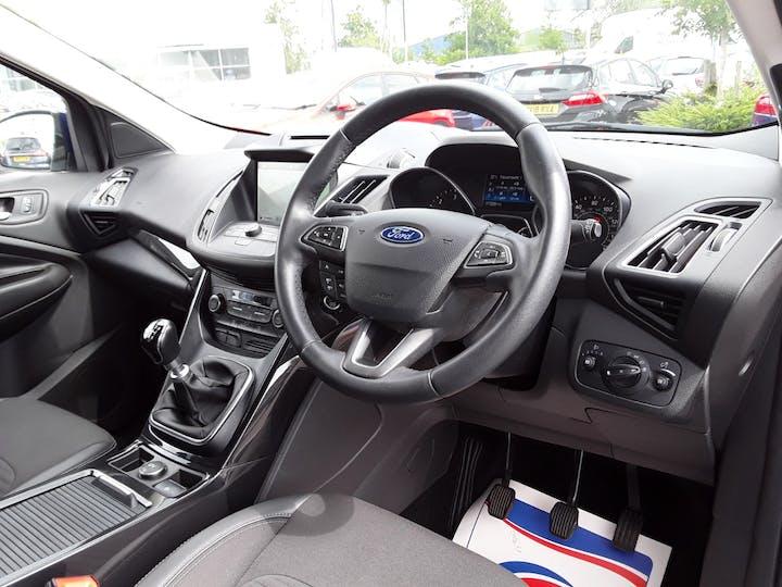 Ford Kuga 1.5 TDCi Titanium 5dr   MA17PNE   Photo 3