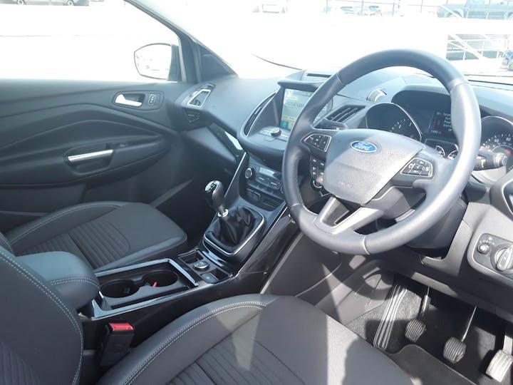 Ford Kuga 1.5 TDCi Titanium SUV 5dr Diesel Manual (s/s) (120 Ps) | MA68VCF | Photo 3