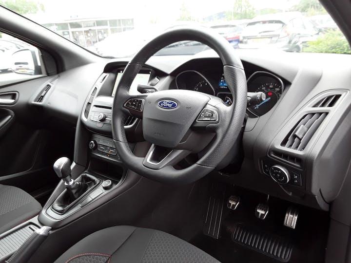 Ford Focus 1.0t Ecoboost St Line Hatchback 5dr Petrol (s/s) (140 Ps)   MF18JUA   Photo 3