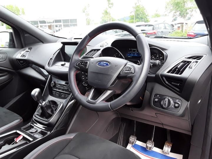 Ford Kuga 1.5 TDCi St Line SUV 5dr Diesel Manual (s/s) (120 Ps) | MJ68UST | Photo 3