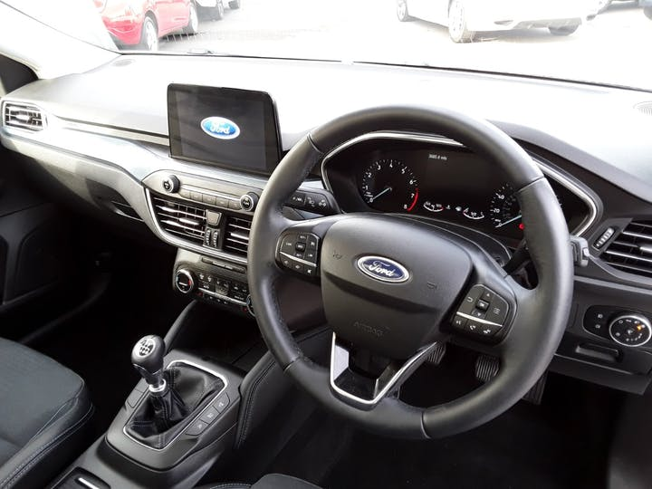 Ford Focus 1.0t Ecoboost Active X Hatchback 5dr Petrol Manual (s/s) (125 Ps) | MT69BSV | Photo 3
