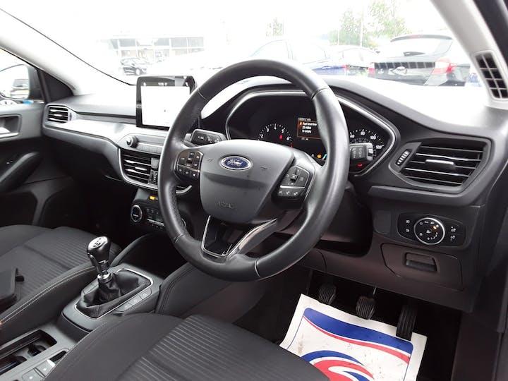 Ford Focus 1.0 Ecoboost 125PS Titanium 5dr | MV68YUT | Photo 3