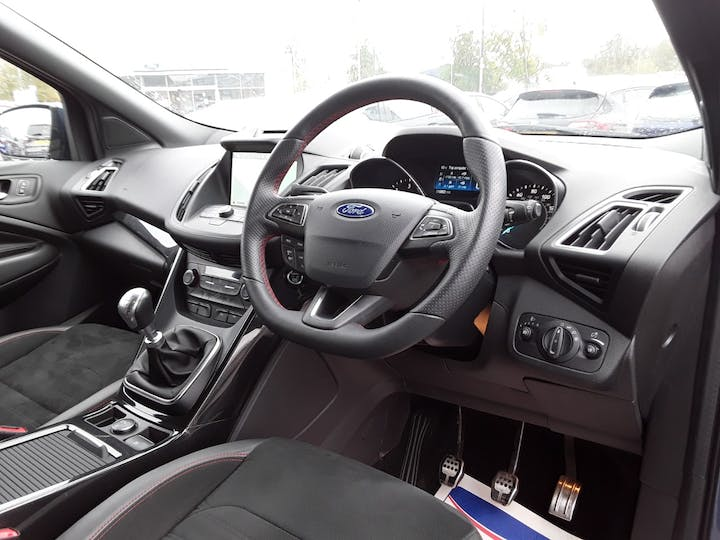 Ford Kuga 1.5 TDCi St Line SUV 5dr Diesel Manual (s/s) (120 Ps) | MX68TZO | Photo 3