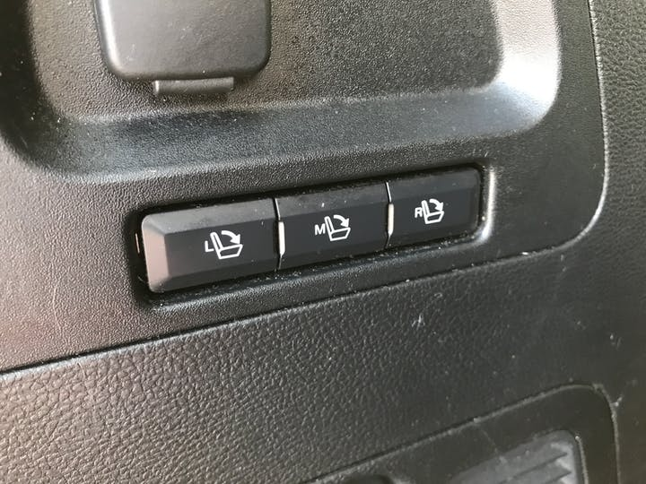 Ford S Max 2.0 TDCi Ecoboost Titanium Mpv 5dr Powershift Diesel (s/s) (180 Ps) | FE66XFP | Photo 30