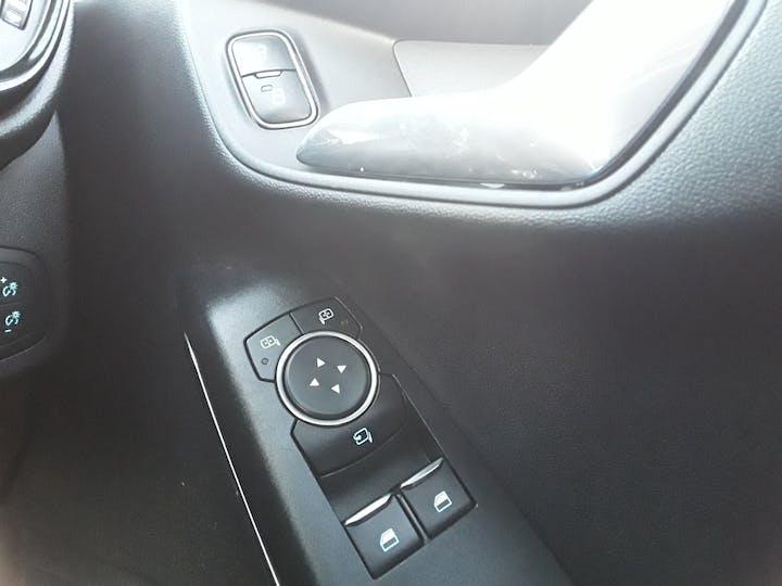Ford Fiesta 1.0t Ecoboost Titanium Hatchback 3dr Petrol Manual (s/s) (100 Ps)   MJ18BNZ   Photo 30