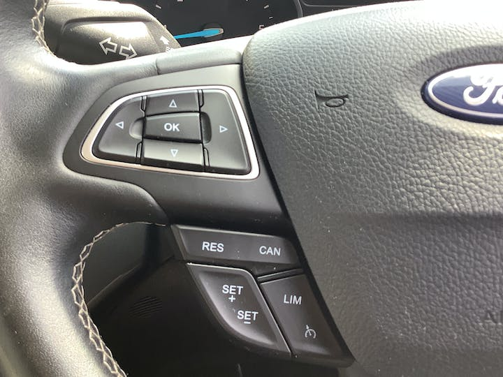 Ford Kuga 2.0 TDCi Ecoblue Vignale SUV 5dr Diesel Manual (s/s) (150 Ps)   MJ18EOA   Photo 30