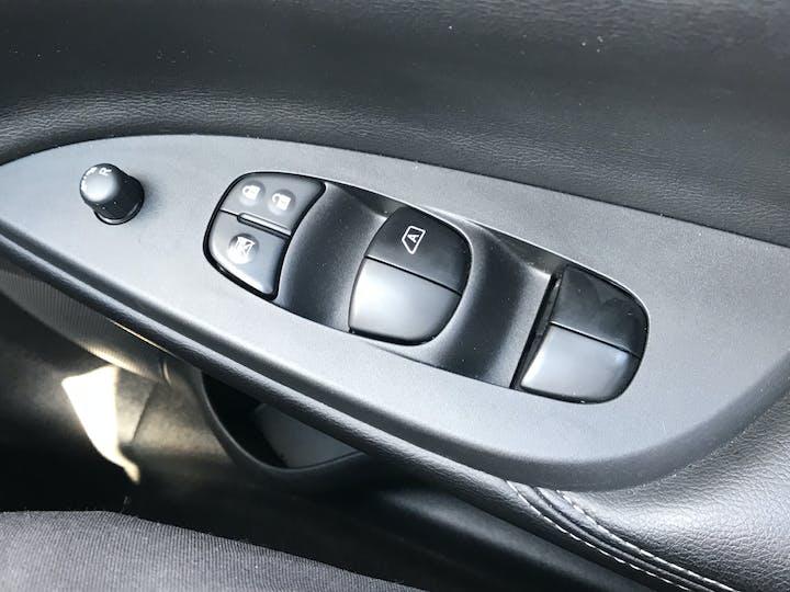 Nissan Pulsar 1.2 Dig T N Connecta Hatchback 5dr Petrol (s/s) (115 Ps)   YO66CHH   Photo 30