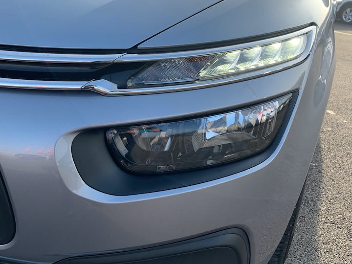 Citroen Grand C4 Picasso 1.6 Bluehdi Touch Edition Mpv 5dr Diesel (s/s) (100 Ps) | YX67TYO | Photo 31
