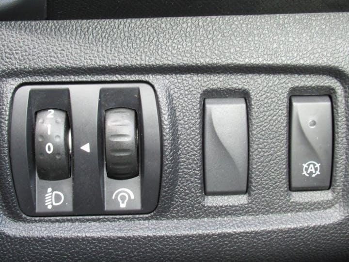 Renault Clio 1.2 Tce Dynamique S Nav Hatchback 5dr Petrol (s/s) (120 Ps) | BJ18NXC | Photo 33