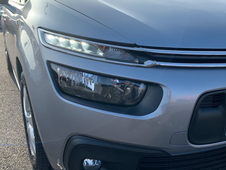 Citroen Grand C4 Picasso 1.6 Bluehdi Touch Edition Mpv 5dr Diesel (s/s) (100 Ps) | YX67TYO | Photo 33