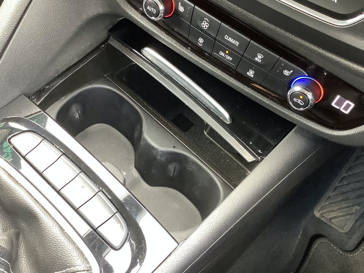 Vauxhall Insignia 1.6 Turbo D Ecotec Elite Nav Sports Tourer 5dr Diesel (s/s) (136 Ps)   VA18DLZ   Photo 34