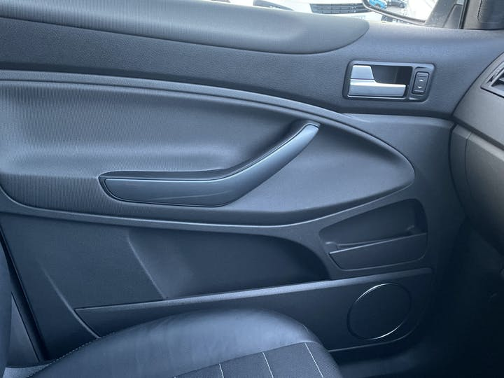 Ford Kuga 2.0 TDCi Titanium SUV 5dr Diesel Manual 4x4 (159 G/km, 160 Bhp) | YT61XEM | Photo 34