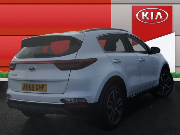 Kia Sportage 1.6 CRDi 4 SUV 5dr Diesel Manual (s/s) (134 Bhp) | AO68GHF | Photo 4