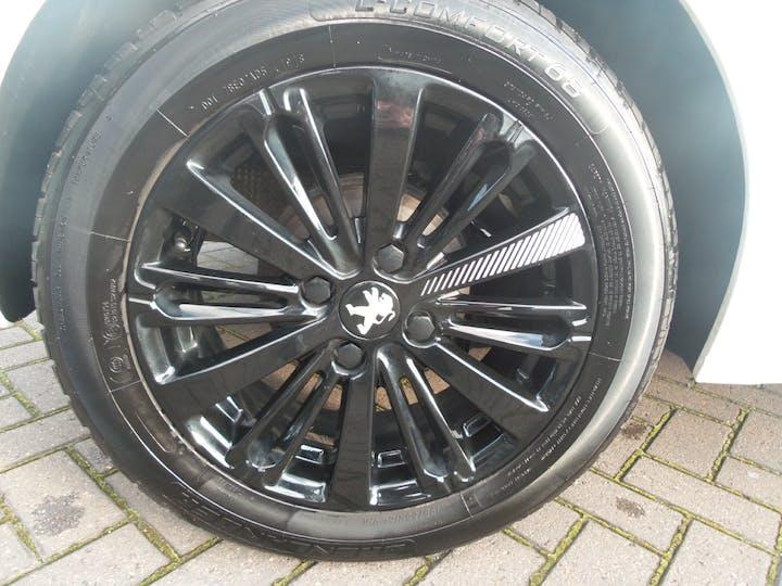 Peugeot 208 1.2 Puretech Black Edition Hatchback 3dr Petrol (82 Ps)   FX17WZZ   Photo 4