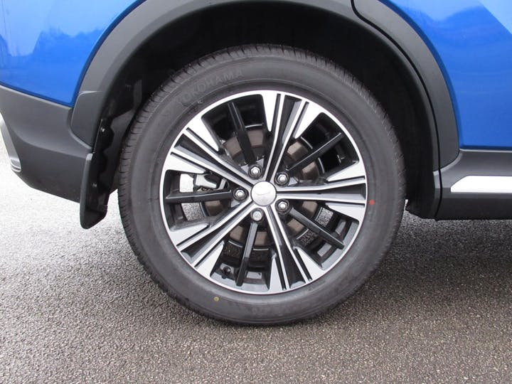 Mitsubishi Eclipse Cross 1.5t Exceed SUV 5dr Petrol Cvt 4wd (s/s) (163 Ps)   FX69TPO   Photo 4