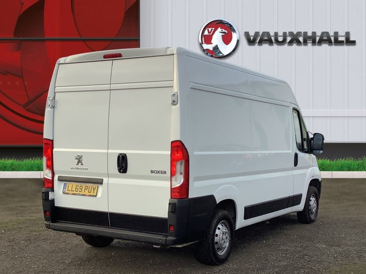 Peugeot Boxer 2.2 Bluehdi 335 Professional Panel Van 5dr Diesel Manual L2 H2 Eu6 (s/s) (140 Ps) | LL69PUY | Photo 4