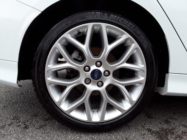 Ford Focus 1.0t Ecoboost St Line Hatchback 5dr Petrol (s/s) (140 Ps)   MF18JUA   Photo 4