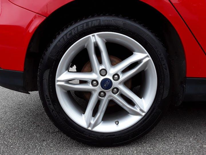 Ford Focus 1.5 TDCi 120PS Zetec Edition 5dr | MJ18EKC | Photo 4