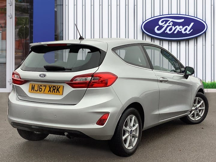 Ford Fiesta 1.1 Ti Vct Zetec Hatchback 3dr Petrol Manual (s/s) (85 Ps) | MJ67XRK | Photo 4