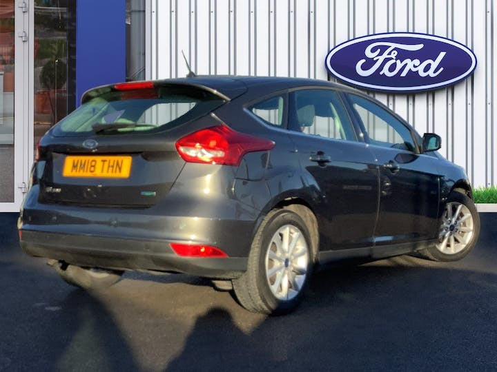Ford Focus 1.0t Ecoboost Titanium Hatchback 5dr Petrol (s/s) (125 Ps) | MM18THN | Photo 4