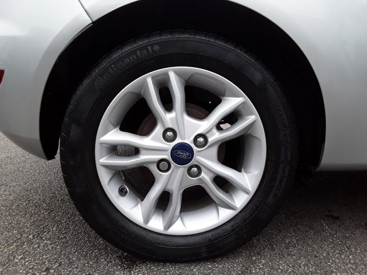 Ford Fiesta 1.25 Zetec Hatchback 3dr Petrol Manual (122 G/km, 81 Bhp) | MP65NLO | Photo 4