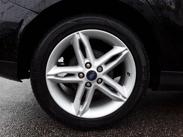 Ford Focus 1.0t Ecoboost Zetec Edition Hatchback 5dr Petrol (s/s) (125 Ps) | MW18SUA | Photo 4