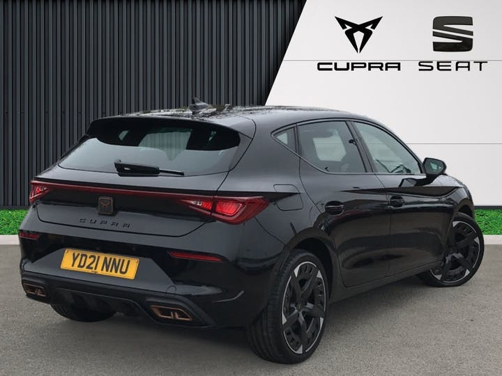 CUPRA Leon 1.4 12.8kwh Vz3 Hatchback 5dr Petrol Plug In Hybrid DSG (s/s) (245 Ps) | YD21NNU | Photo 4