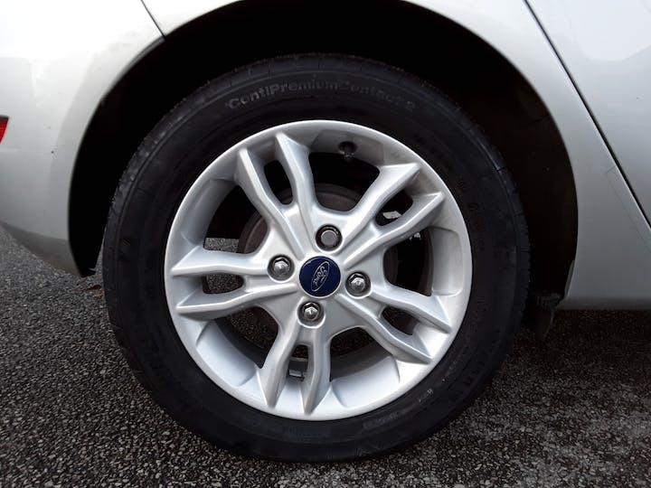 Ford Fiesta 1.0 Ecoboost Zetec 5dr | YG14RHT | Photo 4