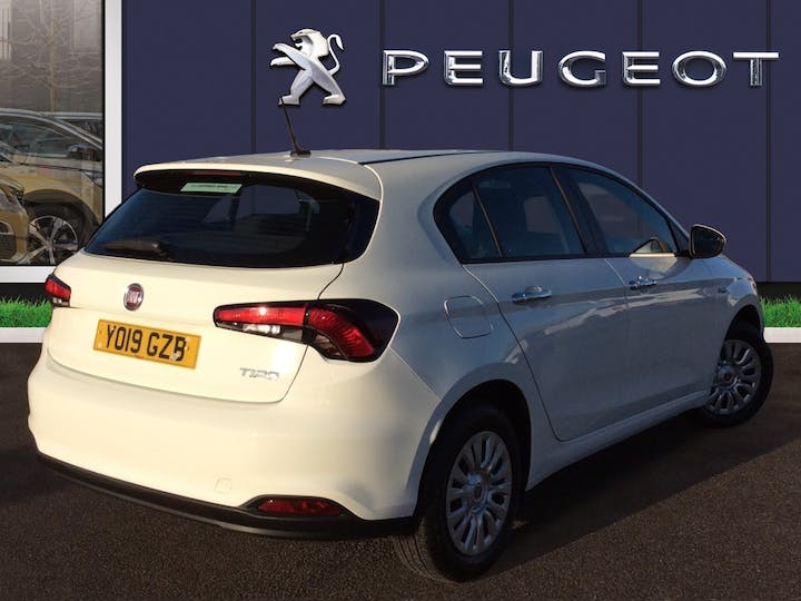 FIAT Tipo 1.4 Mpi Easy Hatchback 5dr Petrol (95 Ps) | YO19GZB | Photo 4