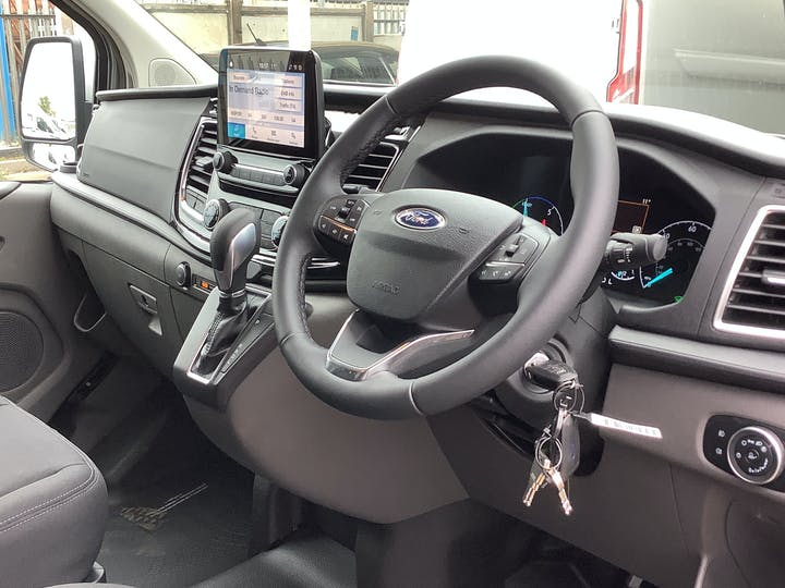 Ford Transit Custom 340 1.0 Ecoboost PHEV 126PS L1 Low Roof Limited Auto   65N008175   Photo 5